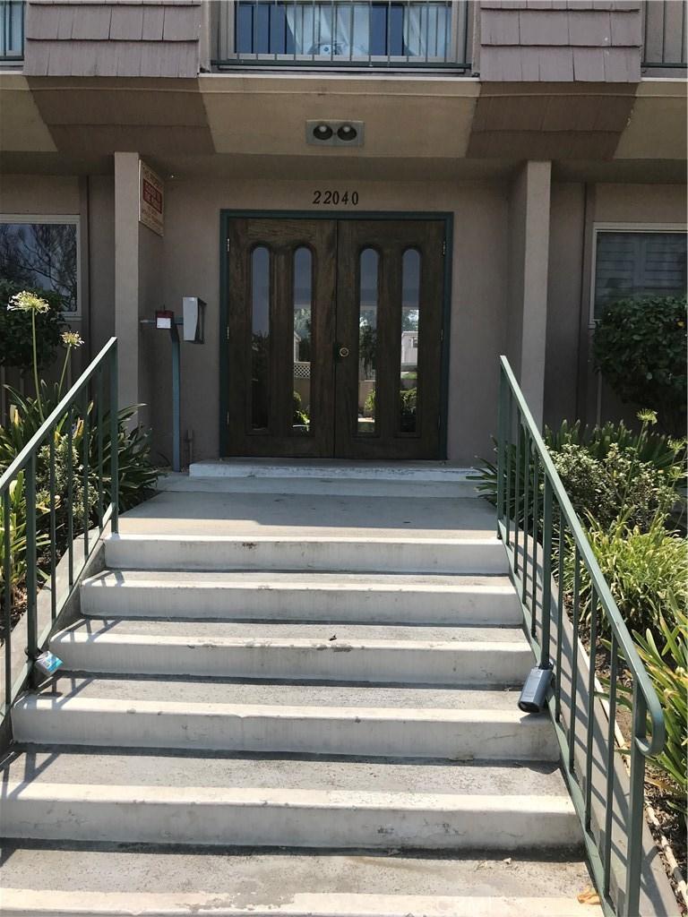 Photo of 22040 CALVERT STREET #3, Woodland Hills, CA 91367
