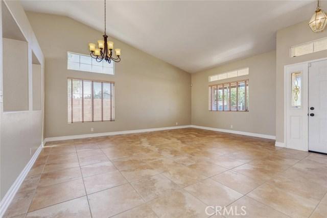 2801 Sunnyvale Road, Lancaster CA: http://media.crmls.org/mediascn/500825ec-eaa6-4dd4-885e-7ebb591d8769.jpg