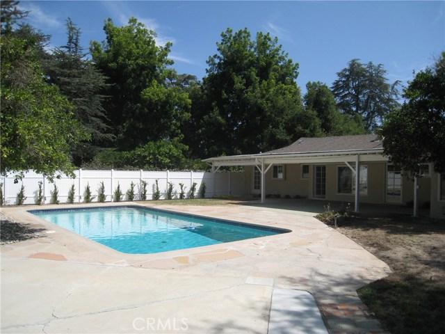 5369 Topeka Drive, Tarzana CA: http://media.crmls.org/mediascn/500d5839-2b88-4117-b522-66f0d8c06dcb.jpg