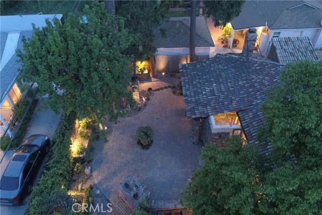 4984 Topanga Canyon Boulevard, Woodland Hills CA: http://media.crmls.org/mediascn/503d5738-5026-464a-9db5-6d9de7b6ec6f.jpg