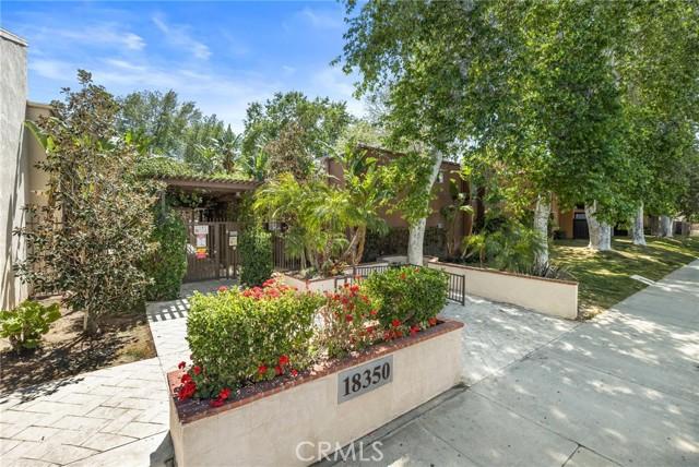 18350 Hatteras Street, Tarzana CA: http://media.crmls.org/mediascn/504d5b79-dd07-4be8-8c2f-2e0dc71e089c.jpg