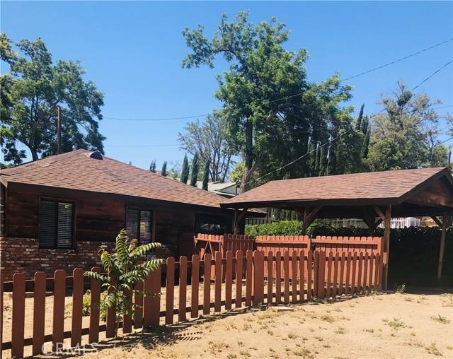 40415 90th W Street, Leona Valley CA: http://media.crmls.org/mediascn/504d76e7-32af-42ae-81fd-c6b07fe471c9.jpg