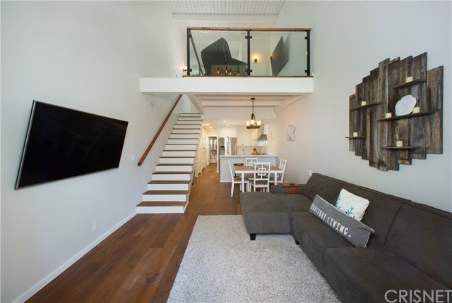 22 E Navy St, Santa Monica, CA 90291 Photo 0