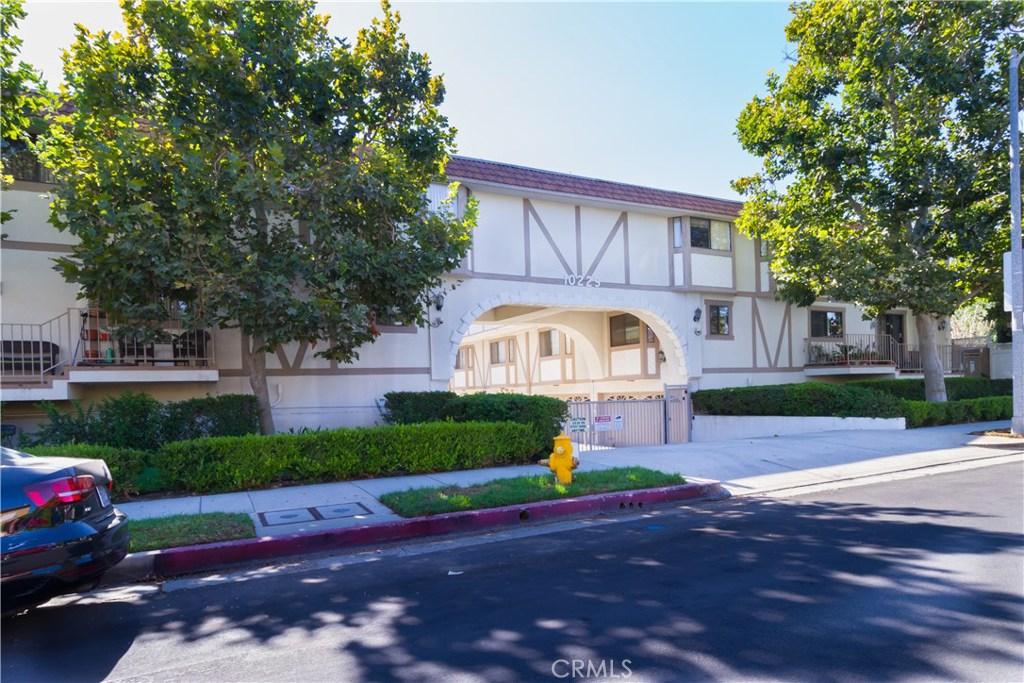 10229 VARIEL Avenue 23, Chatsworth, CA 91311