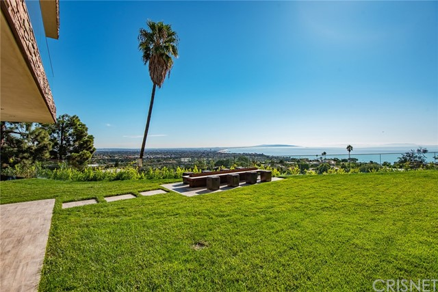 1134 Lachman Lane - Pacific Palisades, California
