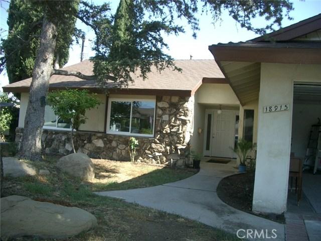 18915 Cantara Street, Reseda CA: http://media.crmls.org/mediascn/5113ecb8-90d3-489e-bf37-0bde467bde07.jpg