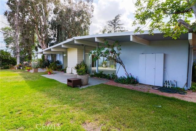 12662 Jimeno Avenue, Granada Hills CA: http://media.crmls.org/mediascn/511e16d5-0a24-4795-b385-fdb36404fd71.jpg