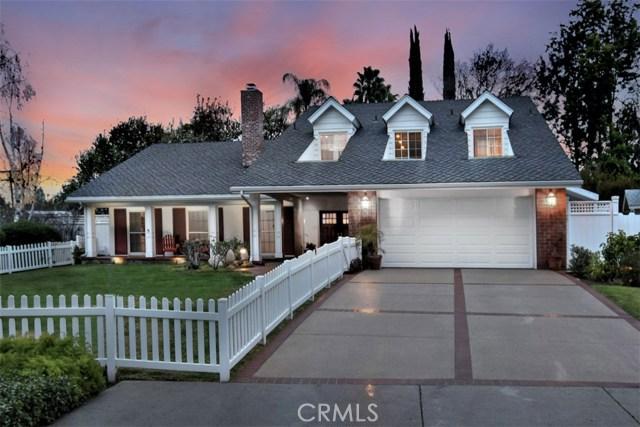 4838 Quedo Place, Woodland Hills CA: http://media.crmls.org/mediascn/512da2f3-ad6f-4bd0-af3f-878ae3e82efd.jpg