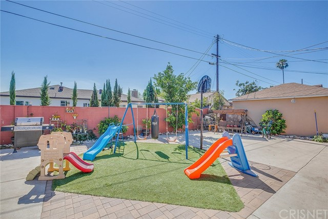 8240 Beeman Avenue, North Hollywood CA: http://media.crmls.org/mediascn/5191cf53-d747-4e76-a028-7647f1008309.jpg