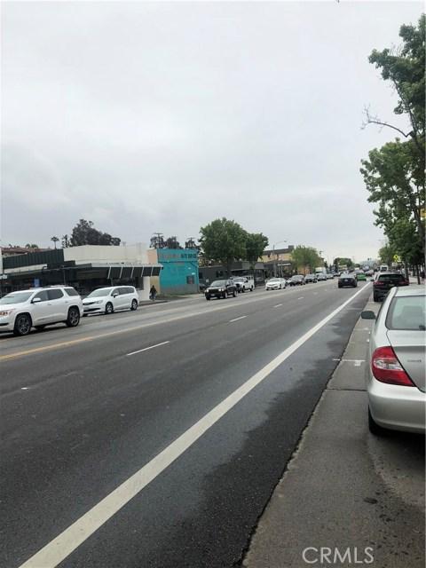 2632 Lincoln Boulevard, Santa Monica CA: http://media.crmls.org/mediascn/51a8e891-8ef4-4db6-90da-5b21530266f9.jpg