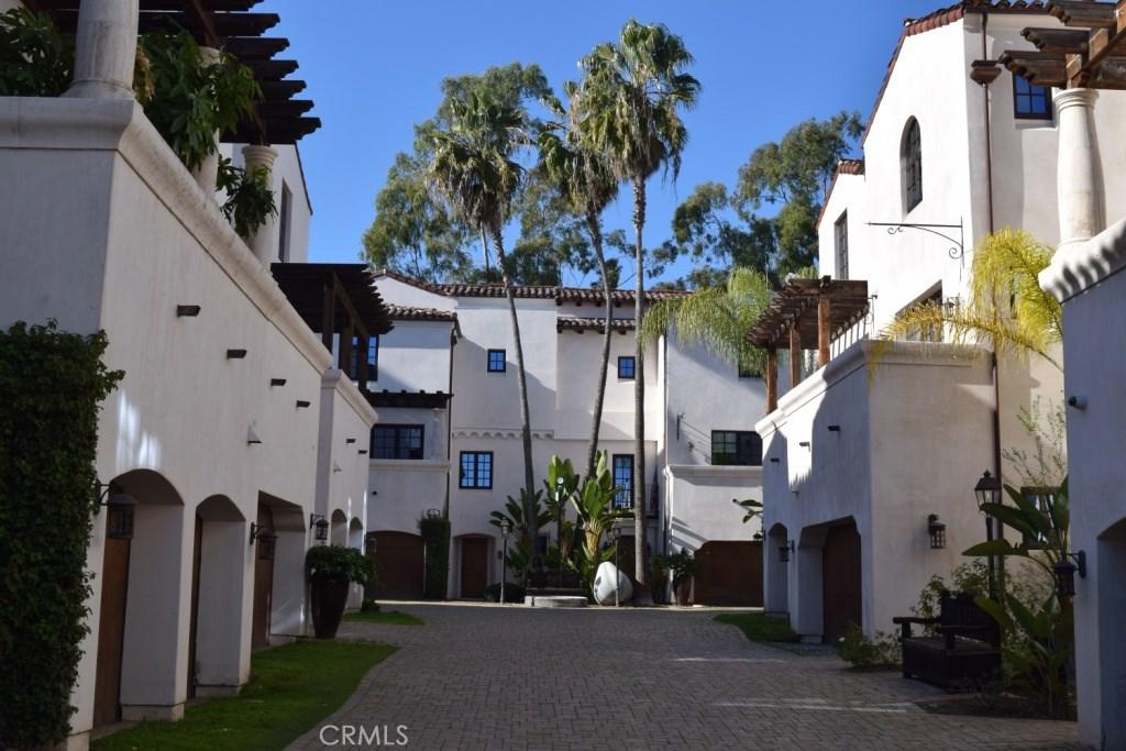 11937 West Sunset Boulevard #13, Los Angeles (City), CA 90049