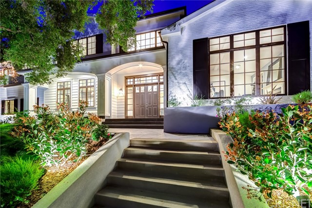 Single Family Home for Sale at 16810 Bajio Road 16810 Bajio Road Encino, California 91436 United States