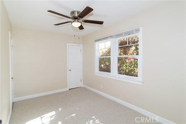 7500 Owensmouth Avenue, Canoga Park CA: http://media.crmls.org/mediascn/520cf8d7-dd76-4b3b-a8ac-c30101ba9b7a.jpg