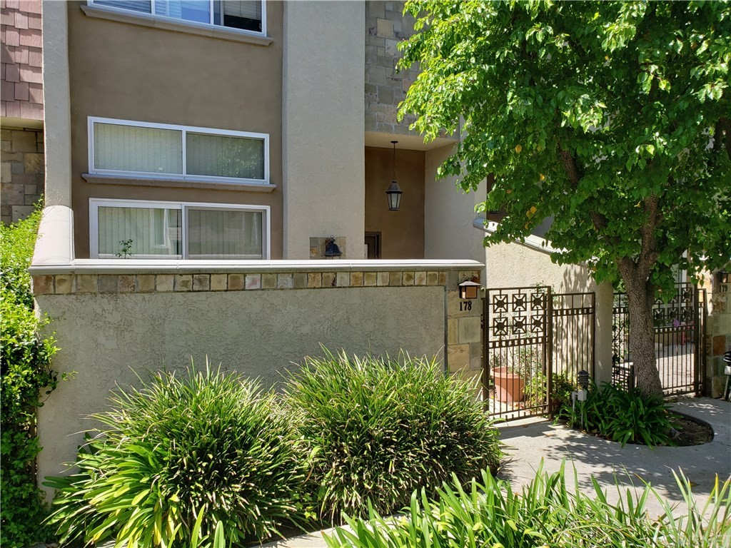 Photo of 21901 LASSEN STREET #178, Chatsworth, CA 91311