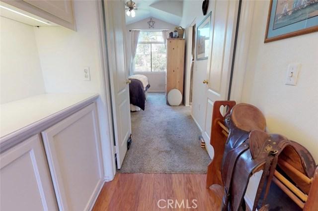 23811 Foxwood Court, Valencia CA: http://media.crmls.org/mediascn/523dc770-1694-464c-9961-393ef37d9f13.jpg