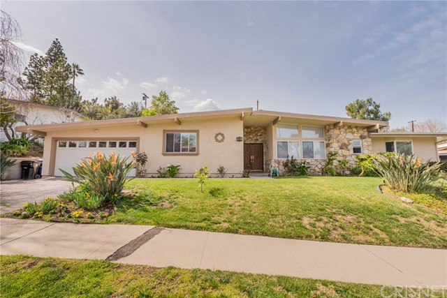 5853  Lockhurst Drive 5853  Lockhurst Drive Woodland Hills, California 91367 United States