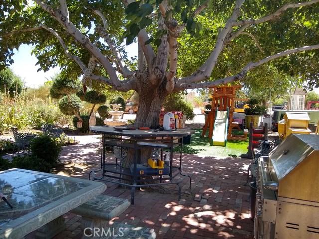 37436 90th E Street, Littlerock CA: http://media.crmls.org/mediascn/526d4310-3fdd-4ba4-9ecf-fe477d9b3225.jpg