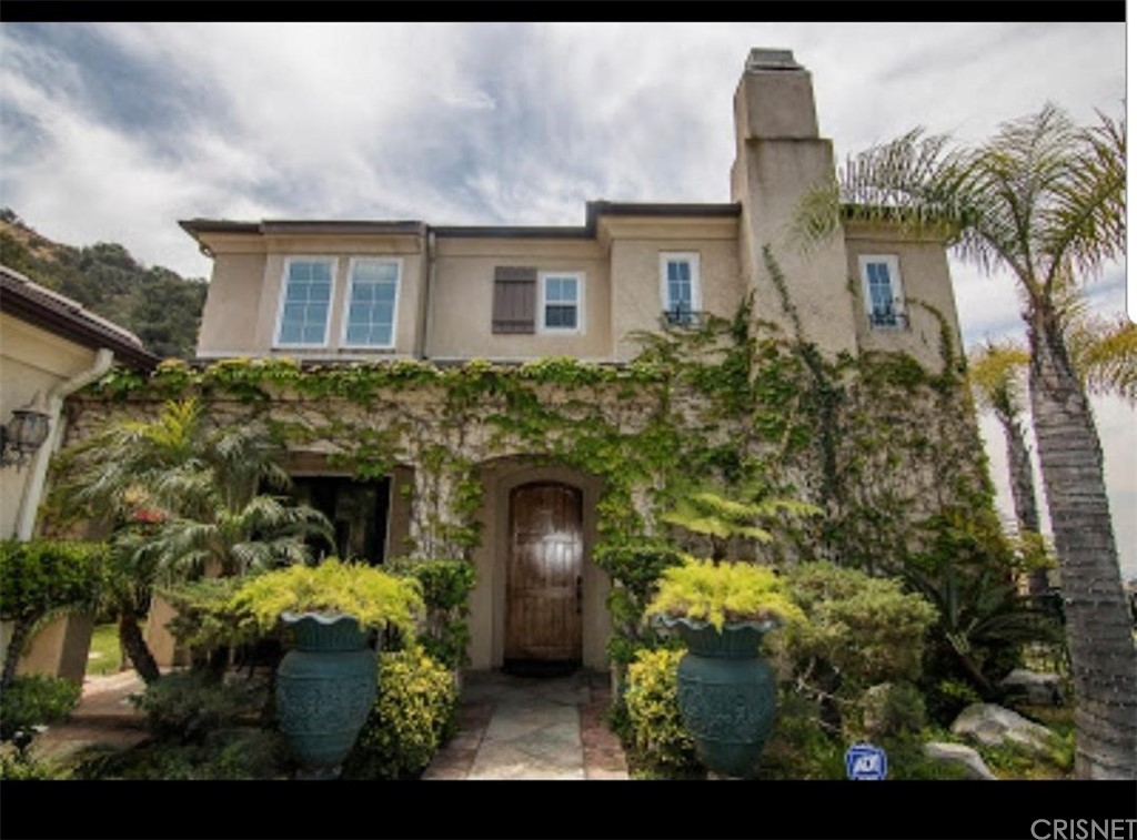 Glendale                                                                      , CA - $2,950,000