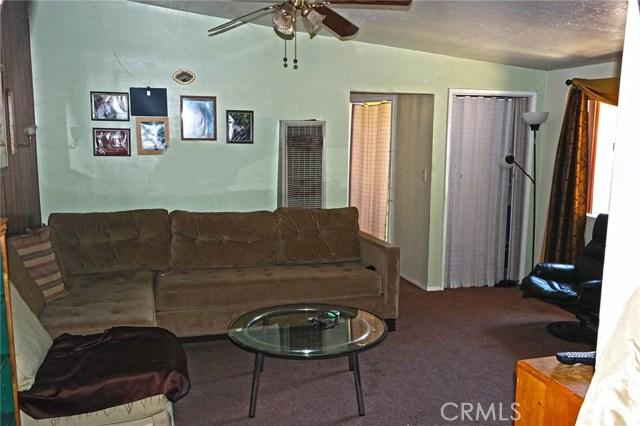 25022 Newhall Avenue, Newhall CA: http://media.crmls.org/mediascn/52c9ccf1-d87e-4d7a-bac1-dbf9fea8d7f8.jpg