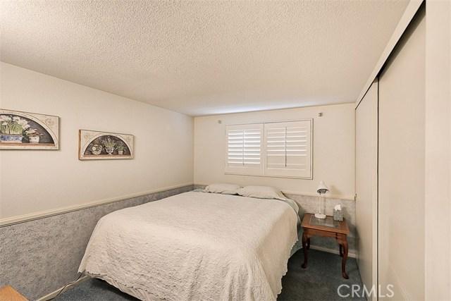 17400 Trosa Street, Granada Hills CA: http://media.crmls.org/mediascn/52ef2944-51d6-4c88-acf5-9394a02817ba.jpg