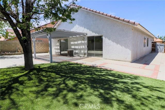 36862 Westgate Drive, Palmdale CA: http://media.crmls.org/mediascn/532edc64-d561-4d4b-b195-4a861c08b547.jpg