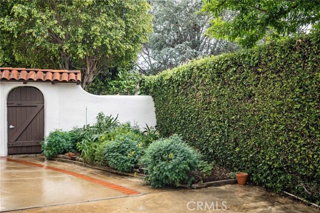 19511 Tribune Street, Northridge CA: http://media.crmls.org/mediascn/5331071f-a8cb-4678-9cd0-03156e133bc8.jpg