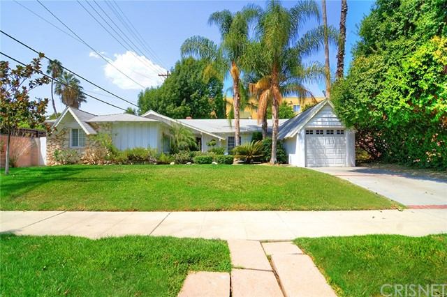 Single Family Home for Sale at 23209 Bigler Street 23209 Bigler Street Woodland Hills, California 91364 United States