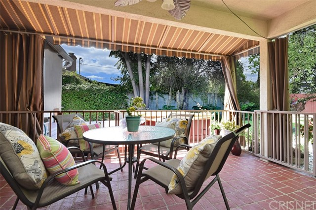 5825 Lemona Avenue, Sherman Oaks CA: http://media.crmls.org/mediascn/5339cc28-6623-4a0a-941d-d032cf59ef5d.jpg