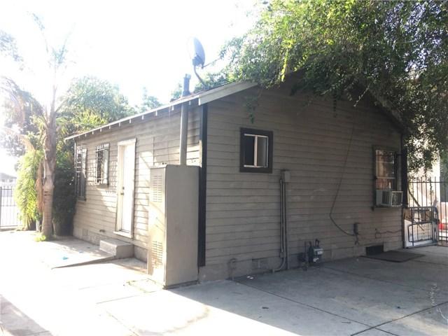 9313 S Broadway, Los Angeles CA: http://media.crmls.org/mediascn/5343a500-1852-435f-8640-053d1ccf6db3.jpg