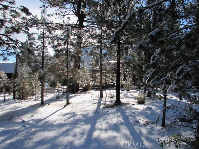 16606 Sandalwood, Pine Mtn Club CA: http://media.crmls.org/mediascn/53812cdc-b580-4674-87a0-c7daf26e6736.jpg