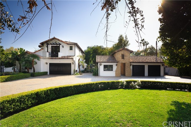 Photo of 23500 Collins Street, Woodland Hills, CA 91367