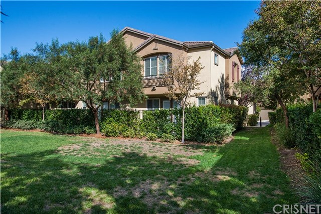 Property for sale at 25521 Huxley Drive #304, Stevenson Ranch,  CA 91381