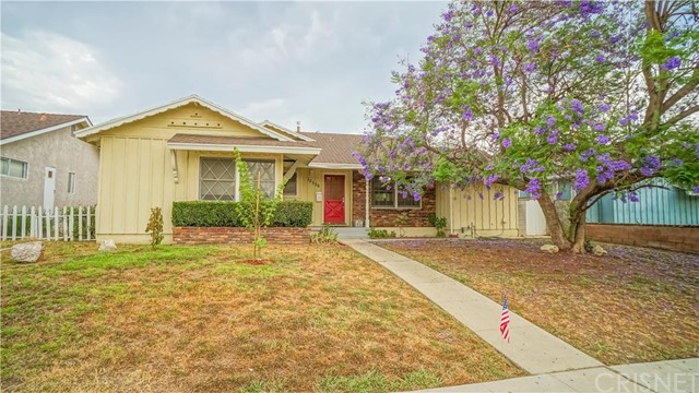 Property for sale at 10556 Hayvenhurst Avenue, Granada Hills,  CA 91344