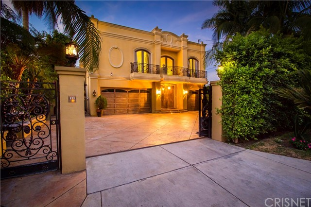 15049 Greenleaf Street, Sherman Oaks, CA 91403