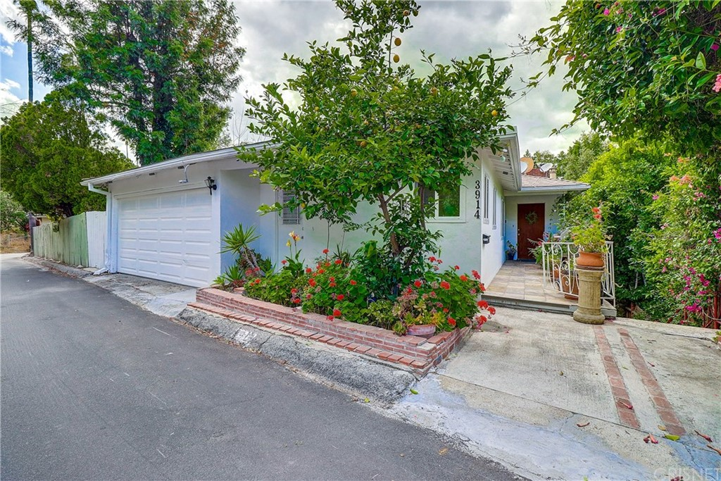 Photo of 3914 FREDONIA DRIVE, Hollywood Hills, CA 90068