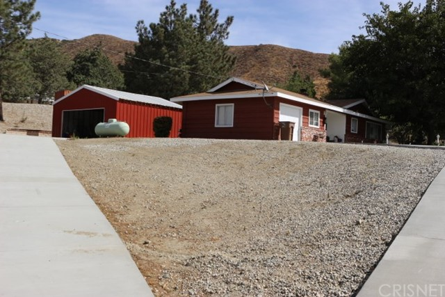 Single Family Home for Sale at 40722 90th Street Leona Valley, California 93551 United States