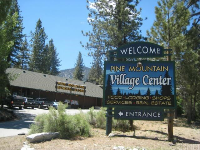 16401 Grizzly, Pine Mtn Club CA: http://media.crmls.org/mediascn/54b9050e-b63e-4989-80fe-110a270ec489.jpg