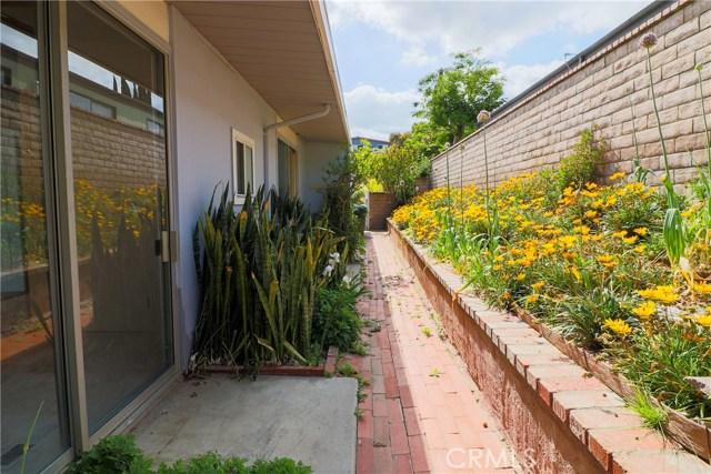 12662 Jimeno Avenue, Granada Hills CA: http://media.crmls.org/mediascn/54ecf5ad-10b4-4c16-90e9-be5ec17d1895.jpg