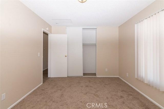 40638 173rd E Street, Lake Los Angeles CA: http://media.crmls.org/mediascn/54fb7bdd-bf21-4afe-8137-ace5a1e2a5e8.jpg