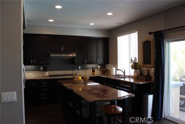 26452 Beecher Lane, Stevenson Ranch CA: http://media.crmls.org/mediascn/5512f783-5272-4e70-894c-8d790e8d4730.jpg