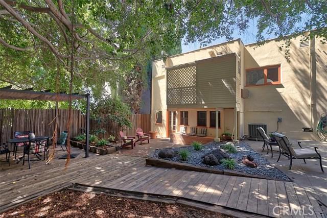 1522 Pandora Avenue, Westwood - Century City CA: http://media.crmls.org/mediascn/5529646a-95c2-4b2c-8e89-93fb28562942.jpg