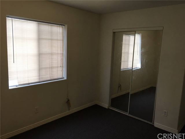 9700 Graham Avenue, Los Angeles CA: http://media.crmls.org/mediascn/5549b4e1-ee57-475b-8aa5-9ee39f7e2241.jpg