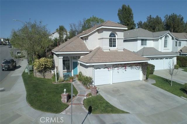 23811 Foxwood Court, Valencia CA: http://media.crmls.org/mediascn/5572dca4-29fc-4cd1-bfd5-445d1d71dd2f.jpg