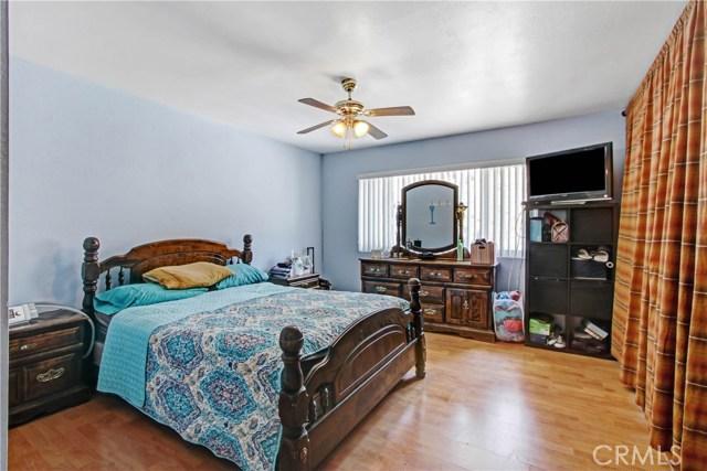 1602 W Phillips Drive, Pomona CA: http://media.crmls.org/mediascn/56020c07-3fc6-4408-a6b8-b3518d779164.jpg