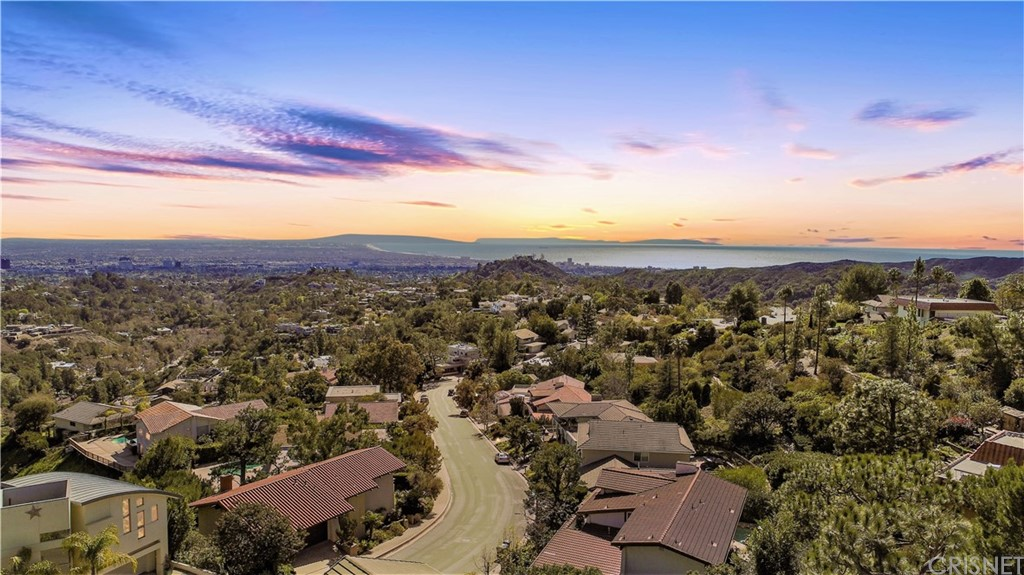 Photo of 2571 CORDELIA ROAD, Brentwood, CA 90049