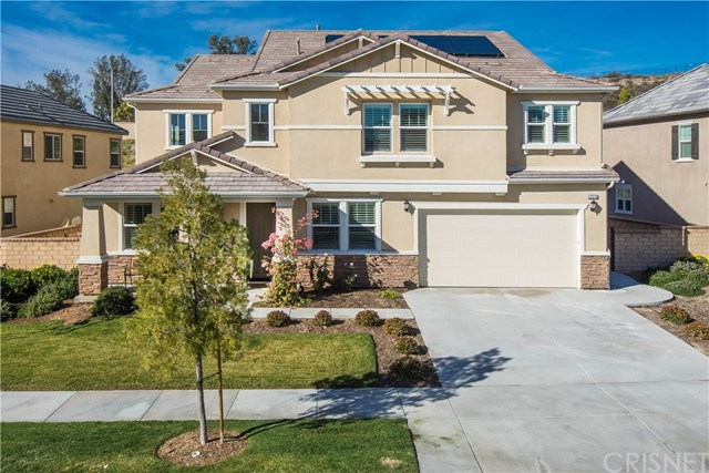 Single Family Home for Sale at 22379 Driftwood Court Saugus, California 91350 United States