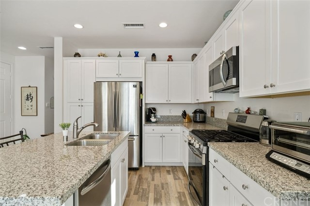 Detail Gallery Image 1 of 27 For 22820 W Olive Way, West Hills,  CA 91304 - 3 Beds | 2/1 Baths