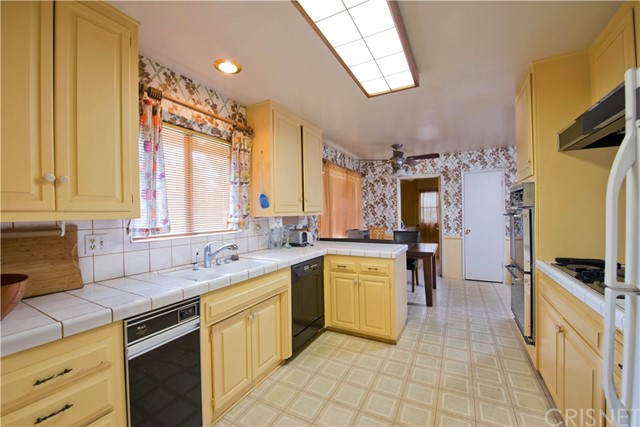 9916 Nita Avenue Chatsworth, CA 91311 - MLS #: SR17248426