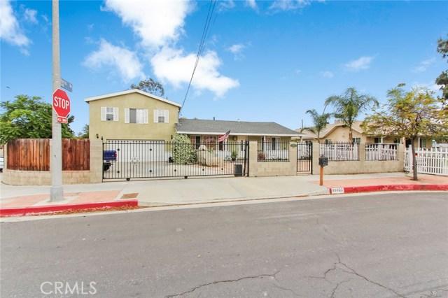 10922 Olinda Street, Sun Valley CA: http://media.crmls.org/mediascn/564a678c-14a8-4cd4-b535-8311af4d9a32.jpg