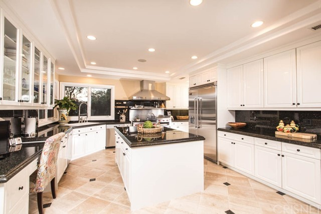 Single Family Home for Sale at 4730 Azucena Road Woodland Hills, 91364 United States
